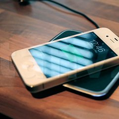 Зарядить телефон